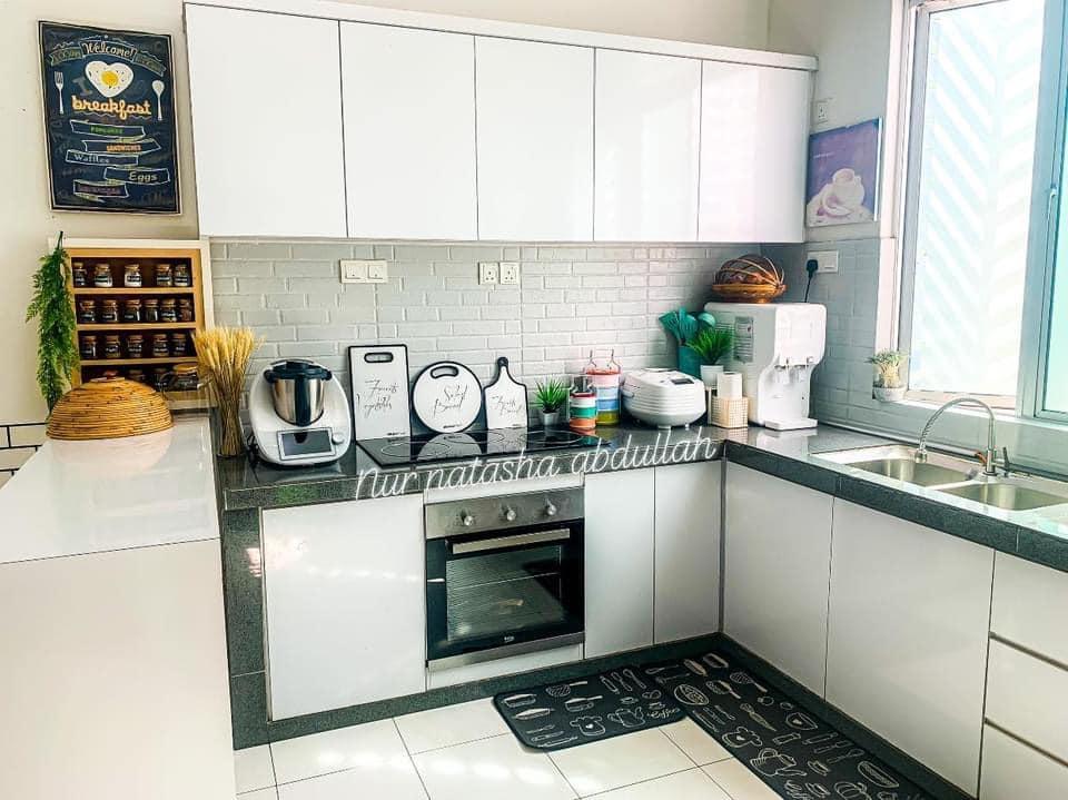 """Kuasa """"Wallpaper"""", Tak Perlu Kerja-Kerja Pecah Jubin Untuk Ubahsuai Dapur 2"""