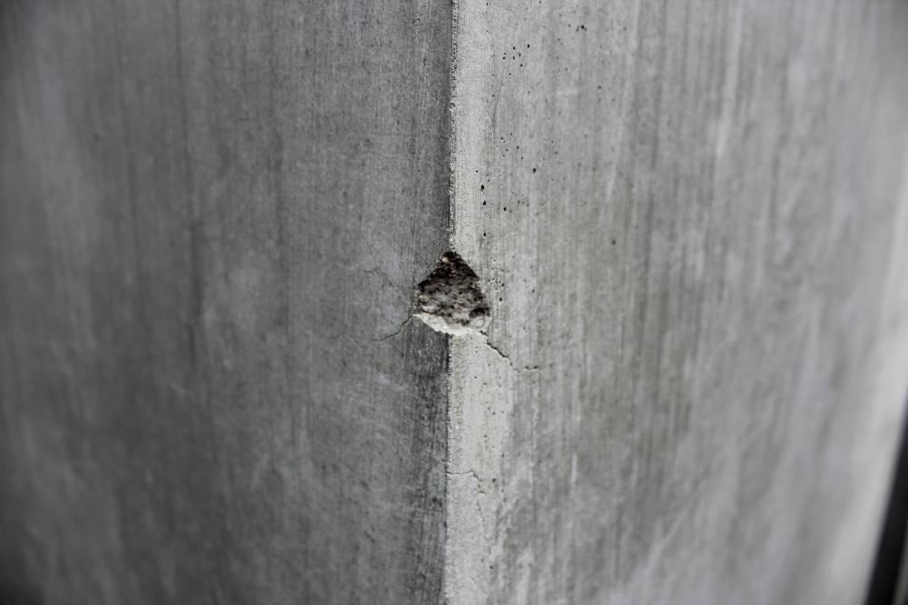 Dinding Retak, Berlubang Nak Tampal Semudah Calit Ubat Gigi 4