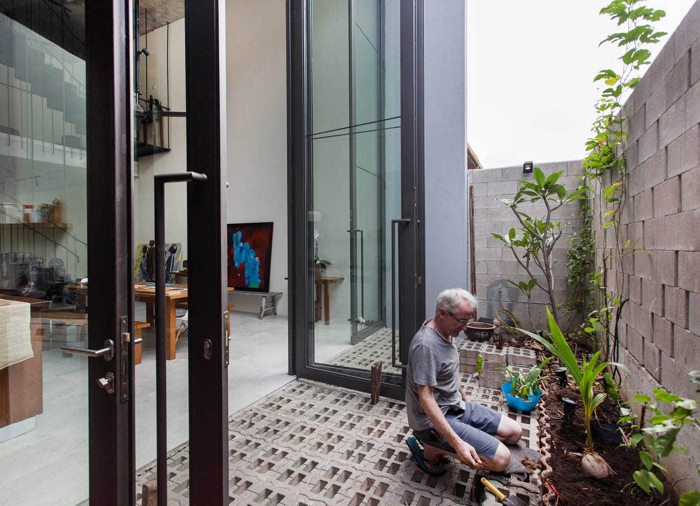 Rumah 'Planter Box' Di Reka Penuh Gaya Hidup Pemilik 18