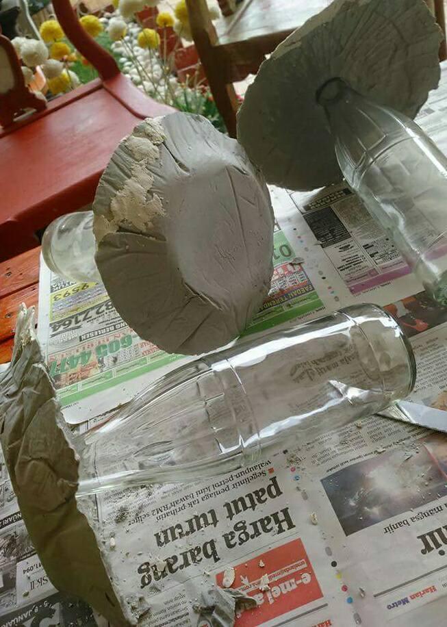 Buat Sendiri Cendwan Batu Gunakan Surat Khabar, Botol Terpakai dan Simen 4