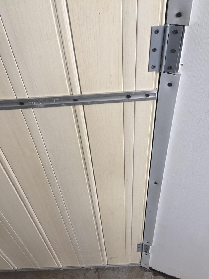 Pintu Lipat Rosak, Ini Penyelesaian Cepat Yang Menjimatkan Duit Anda 6