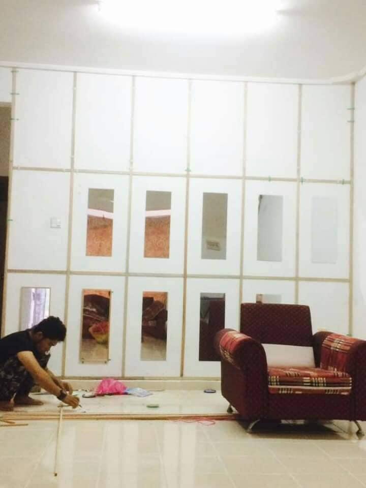 """DIY """"Feature Wall"""" Dari Cermin Kedai Bajet RM 2 3"""