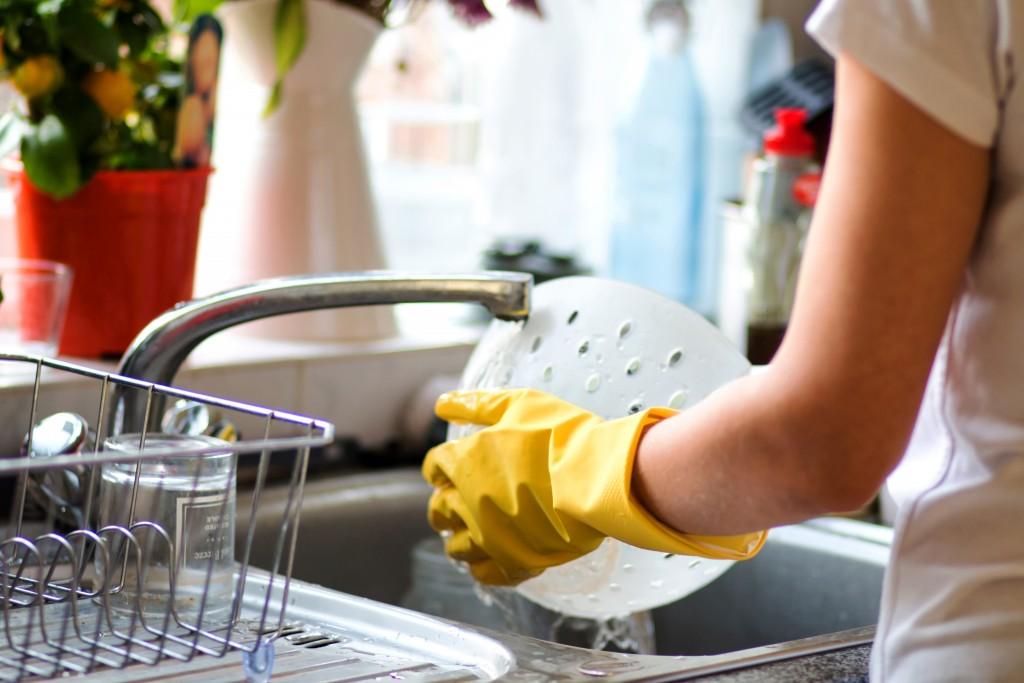 shutterstock 518530291 1024x683 19 40 088353 - Dapatkan Dapur Yang Sentiasa Bersih Dan Segar Dengan 6 Tip Mudah