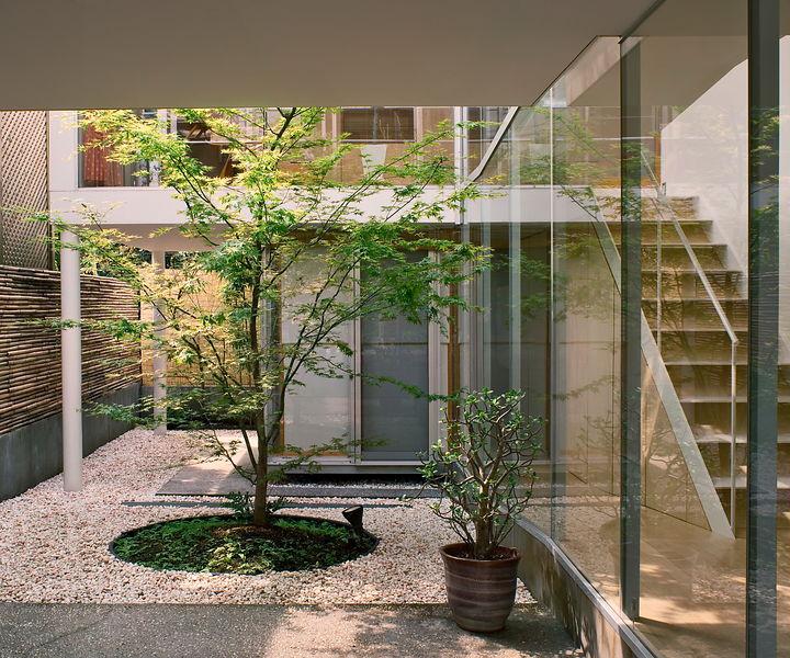 """18643 08 11 ikedayama xlarge 06 38 198709 - Kelebihan """"Courtyard"""" Buat Kediaman Moden Dengan Nilai Estetika Yang Tinggi"""