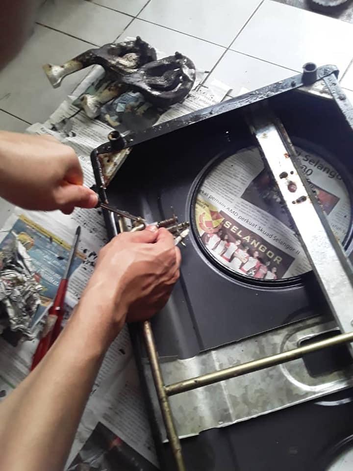Api Kecil? Servis Sendiri Je Dapur Gas Yang Sudah Berkarat. Berkesan Dan Lebih Jimat! 5