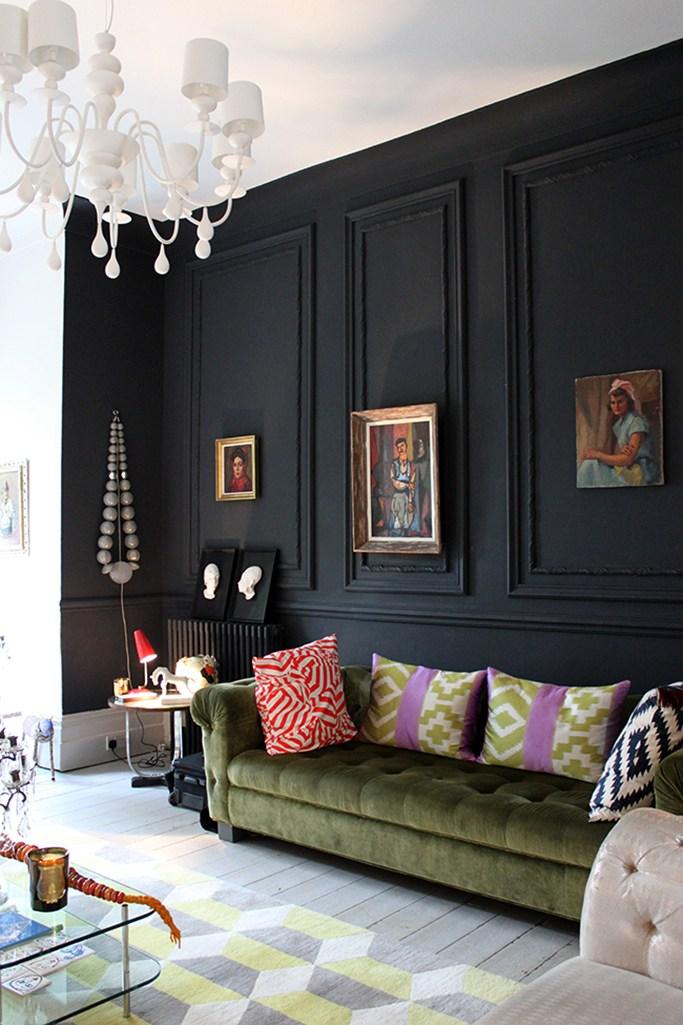 """feature wall with paint 01 32 533840 - Usah Keliru! Ini Proses Betul Menentukan """"Feature Wall"""" Di Ruang Kediaman"""