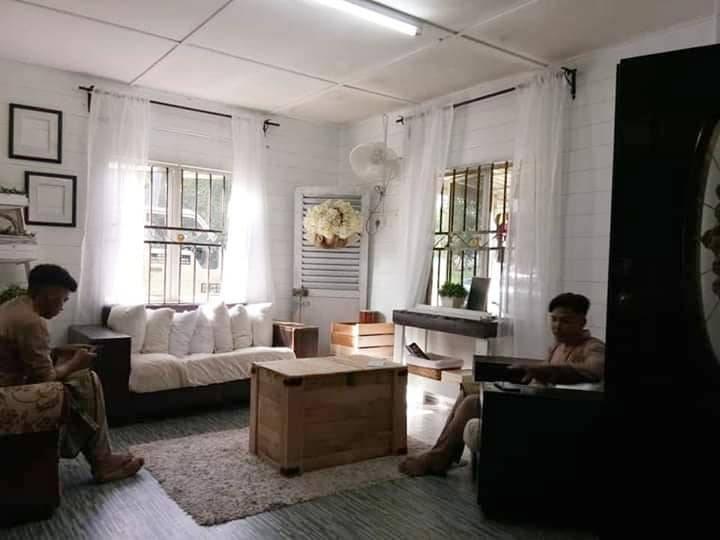 Makeover Ruang Tamu Konsep Farmhouse Guna Barang DIY, Shiplap Wall Pakai Marker Pen Je 7