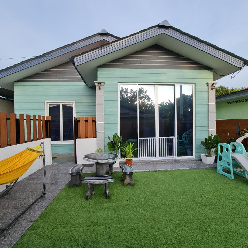 "Tampal ""Shera Plank"" Pada Dinding Untuk Hasilkan Fasad Kediaman Macam English Cottage 13"