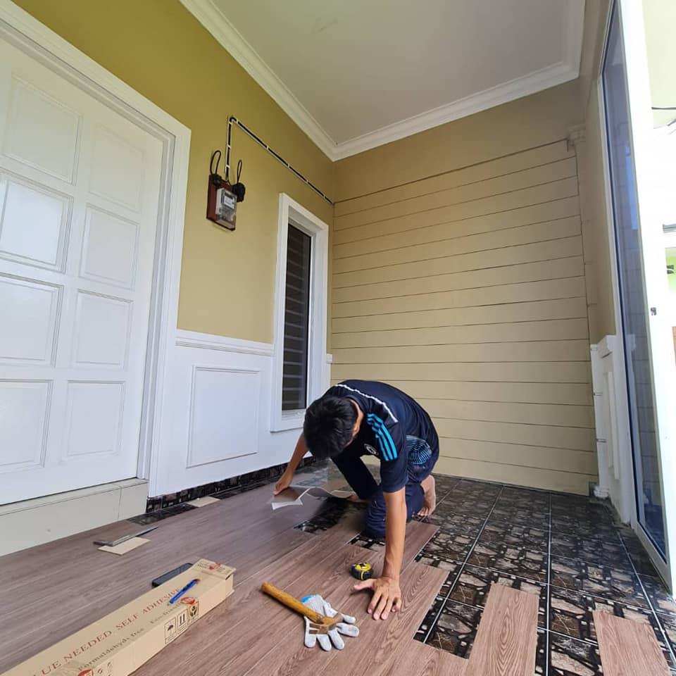 "Tampal ""Shera Plank"" Pada Dinding Untuk Hasilkan Fasad Kediaman Macam English Cottage 6"