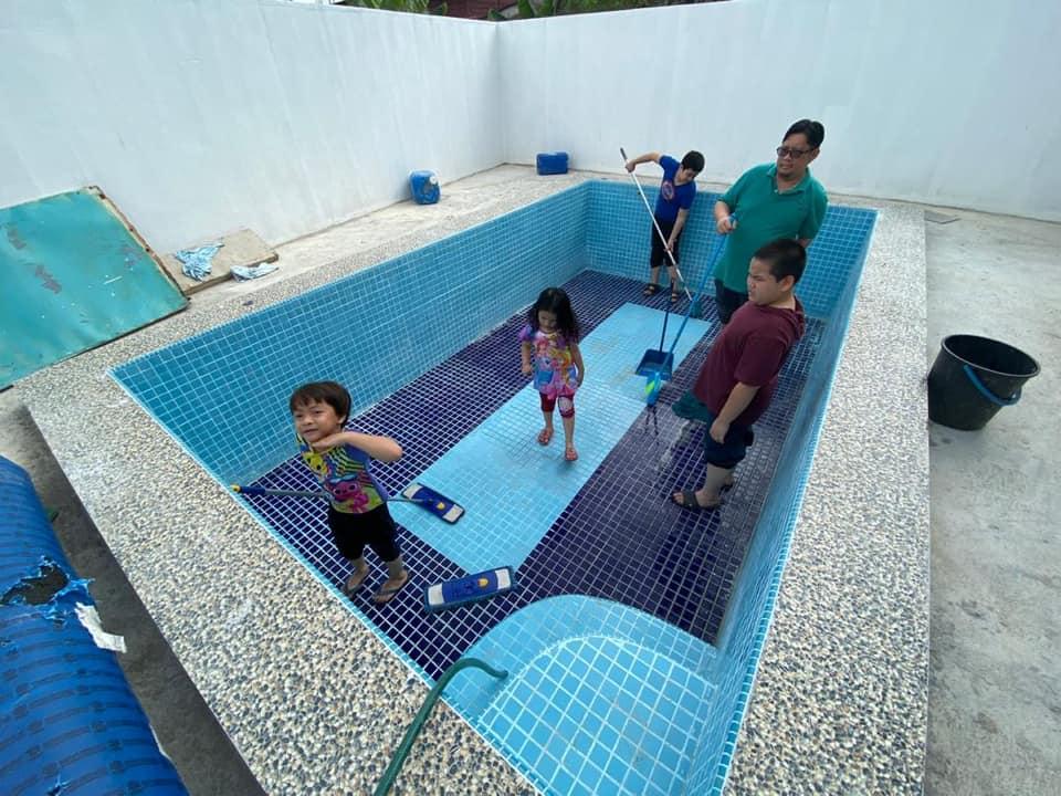 Private Pool Di Halaman Kampung 8