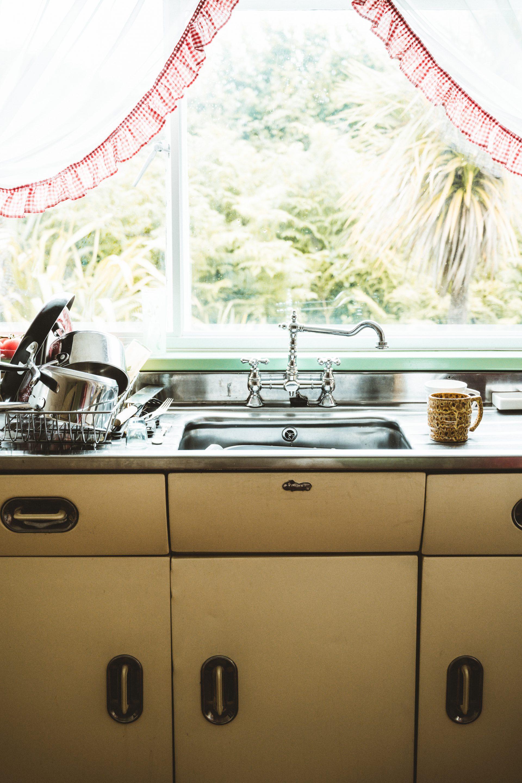 Nak Sinki Berkilat Macam Baru Beli, Sental Dengan Lemon Dan Garam Je 3